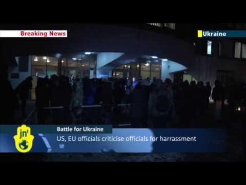 Battle for Ukraine: Opposition leaders prevent police from arresting kidnapped activist in Kiev