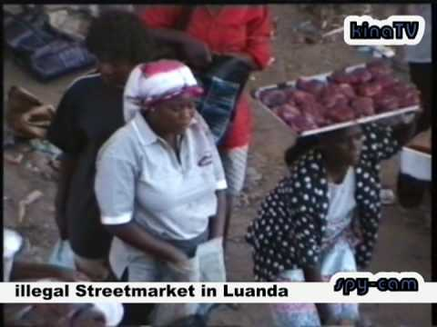 illegal streetmarket in Luanda / Angola
