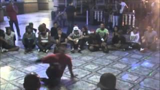 Batalha  dos 3 estilos  (locking , popping e b.boy)  Dancers  (popping Caio vs B.boy Luciano)