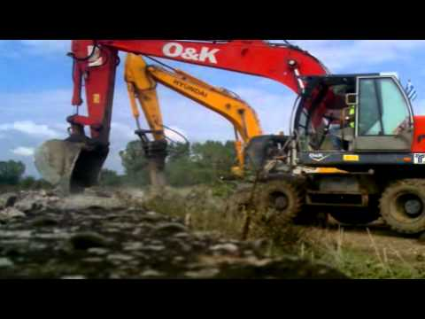 o&k mh 6.5 vs hyundai 200w 7a  wheeled excavators