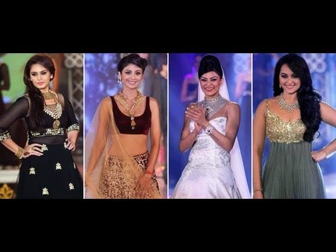 Hot Bollywood Actress at Bombay Bullion Association Fashion Show