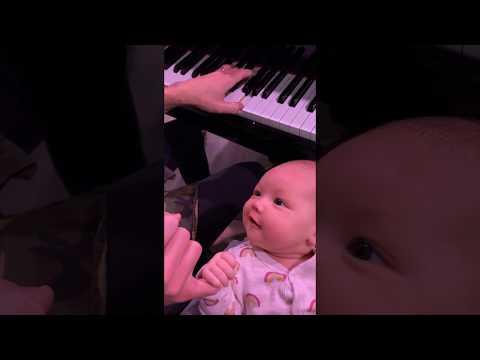 Sing to me Mummy!