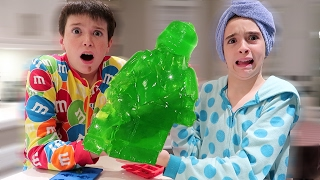 GIANT GUMMY LEGO DISASTER!!