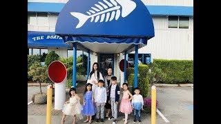 兒童禮儀模特班學生在Samenthe老師帶領下Boathouse西餐廳上禮儀課