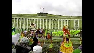 Масленица в Великом Новгороде.  выставка чучел. Народные гуляния