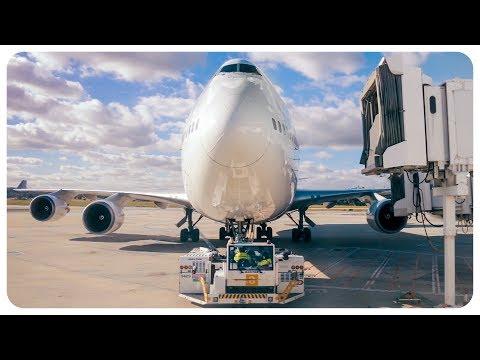 RARE Qantas Boeing 747 Domestic Flight | Sydney Airport - Melbourne Airport - Sydney Airport