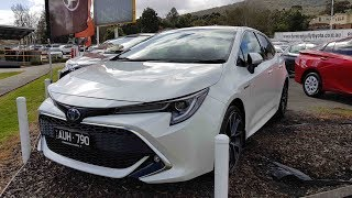 2019 Toyota Corolla ZR Hybrid In depth Tour Interior and Exterior