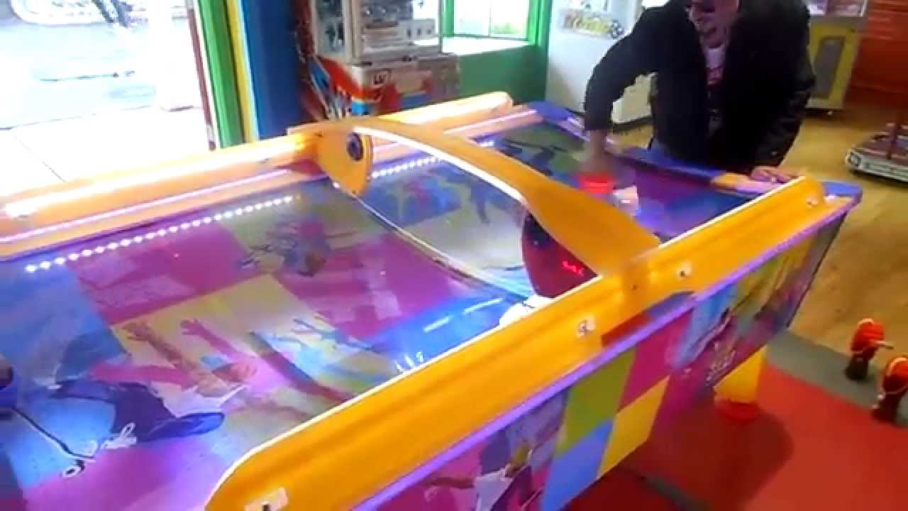 NEW Awesome Air Hockey Table Goliath Arcade Six Flags Great America 6 4 14    YouTube