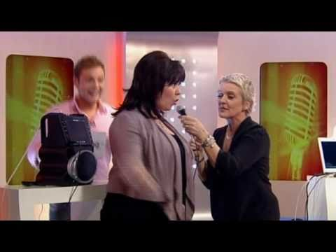 "Coleen & Bernie sing ""I'm In The Mood"" on a karaoke machine! on This Morning 4th April 2011"