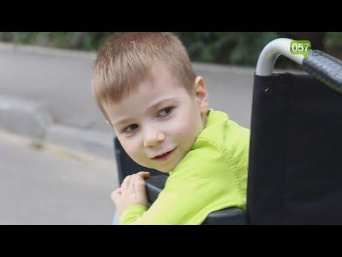 Помогли всем миром: Климу, чья мама погибла во время обстрела, сделали операцию - Продолжительность: 3:04
