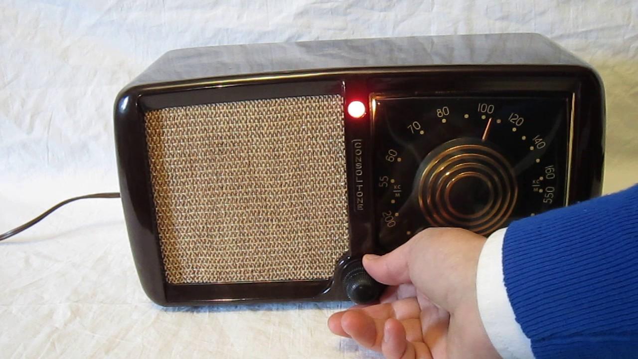 Zenith 5D011Z Consoltone Radio (1946)