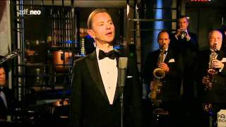 """Max Raabe und Palast Orchester bei """"NeoParadise"""" (zdfneo) 29.12.2011"""