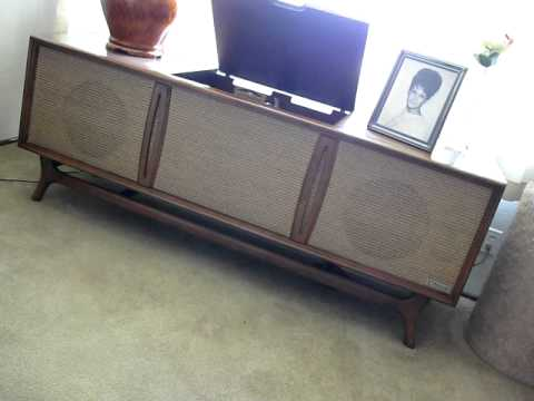 1961 Packard Bell stereo console Hi Fi / Three Dog Night, Easy to Be Hard