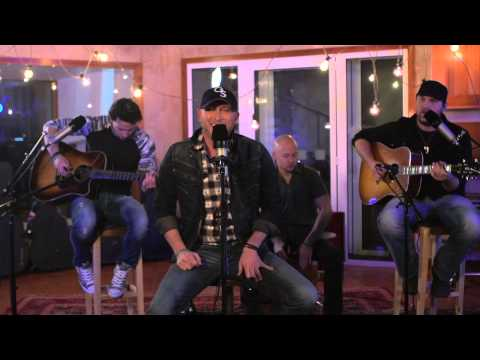 Cole Swindell - Brought To You By Beer (Acoustic Live Session)