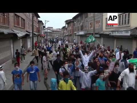 Clashes in India-held Kashmir despite curfews