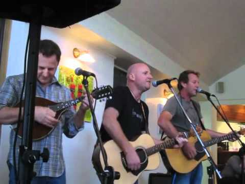 Junior : November (live 2011)