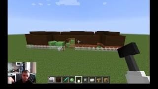 MINECRAFT малой строит домики