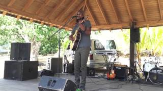 Omari performing Bruised Inside (Acoustic) at Davidaz Sunday March 15th