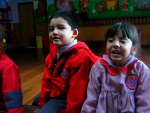 Jardin infantil amiguitos del mundo youtube for Amiguitos del jardin