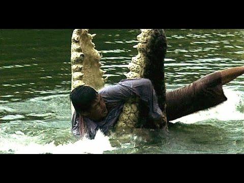 Видео как крокодил ест человека