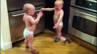 اطفال يسولفون تاتا تا تاتا