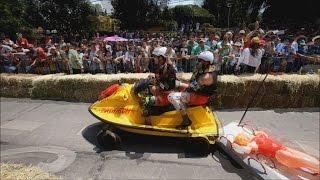 "La Red Bull Soapbox Race revoluciona Santiago con sus ""autos locos"""