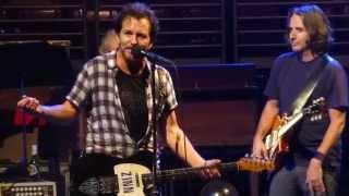 """""""Leaving Here"""" Pearl Jam@Wells Fargo Center Philadelphia 10/22/13 Lightning Bolt Tour"""