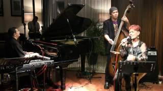Idang Rasjidi Trio ft. Margie Segers - Kesepian @ Mostly Jazz 25/01/12 [HD]