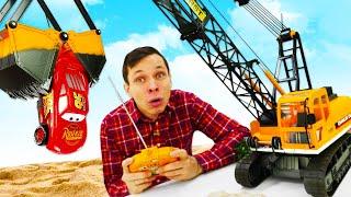 Игры с машинками – Тачки заболели? Молния Маквин и большие машины на стройке! Видео для мальчиков.