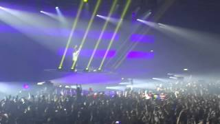 Armin van Buuren playing Superstring (Rank 1 Remix) @ ASOT 700 Festival Utrecht 21-02-2015
