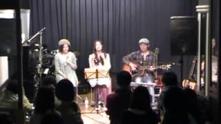 2013,4,21 井口・Toyさんで行われたライヴの様子 セカズンが2smileの「...