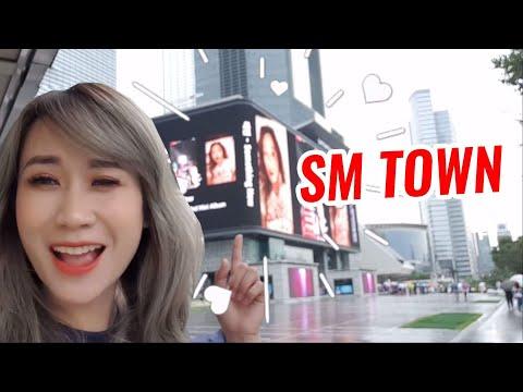 Hương Witch tới SM Town để gặp SNSD, EXO... ?
