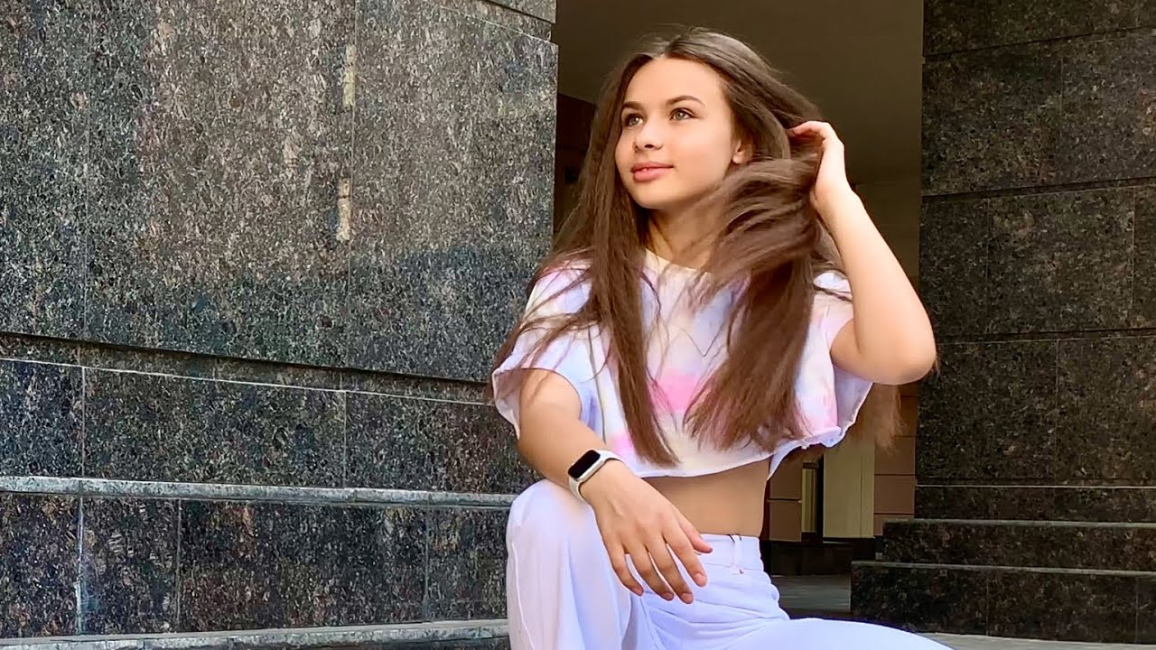 Download MODEL PHOTOSHOOT - Alesia Chebotareva