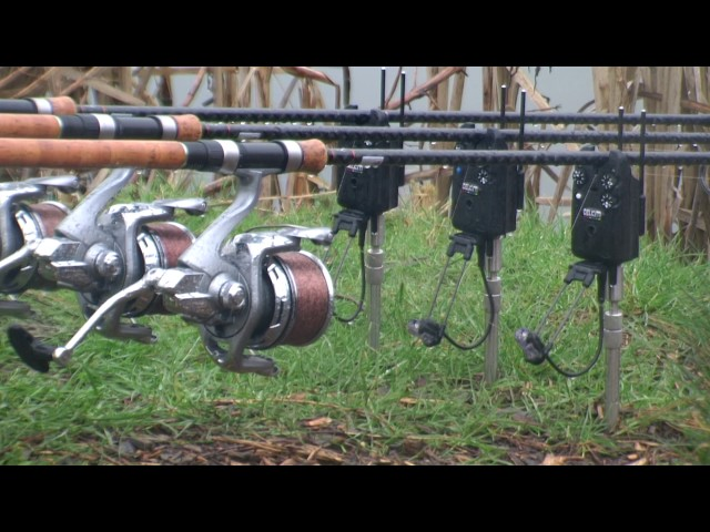 CarpCrusader Movie 12 - Lavender Hall Fishery! (North Vs South)
