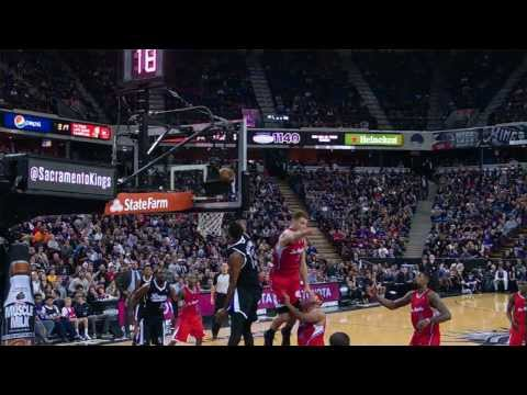 Derrick Williams Soars for the Thunderous Oop Jam in Sacramento
