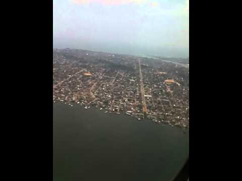 arrerissage a a COTONOU en MD83 Air Burkina