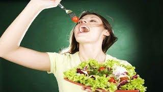 Салат с копченой грудкой грибами и сыром!