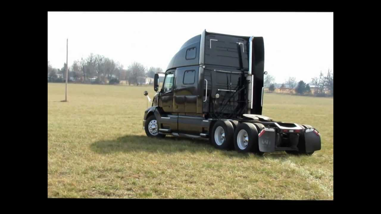 2004 Volvo Vnl Semi Truck For Sale Sold At Auction