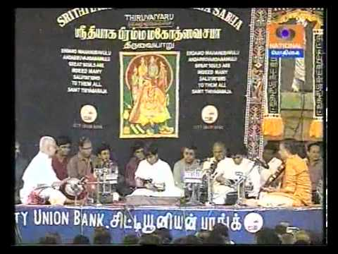 Mandolin Sreenivas-Thiruvaiyaru Thyagaraja Aradhana 2013. Courtesy Pothigai TV