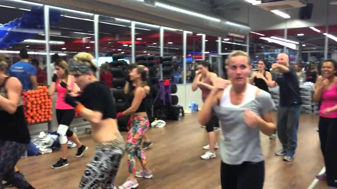 inauguration fitlane villeneuve loubet zumba bodycombat youtube. Black Bedroom Furniture Sets. Home Design Ideas