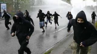 FICK DIE POLIZEI!!!! SEPARATE