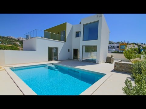 Modern Villa located a few meters from Albufeira Marina - PortugalProperty.com - PP2691