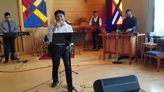 Junto con Pastor y salmista Jose Valencia.