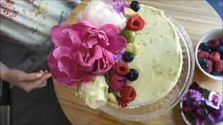 La blogueuse royannaise Julie Lopez présente son Royal Wedding Cake