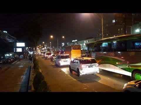 Imbas Contraflow Arus Balik, Kendaraan Pribadi dan Bus Terjebak Kemacetan di Kalimalang Mp3