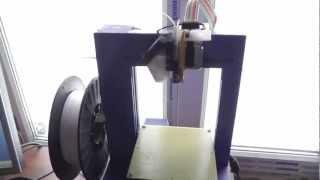 3D принтер UP Plus - демонстрация работы(3D принтер UP Plus - демонстрация печати пластиковой детали с нуля. Как это работает. От разогрева платформы,..., 2013-02-13T18:38:33.000Z)