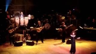 Gloria Estefan - Caridad (with lyrics)