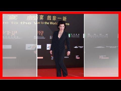 56岁陈冲走红毯秀事业线, 网友: 这个年纪还露胸, 比刘晓庆都过分