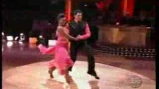 melanie b dancing with the stars episode 2 quick step