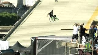 Первый прыжок на MegaRamp в инвалидной коляске